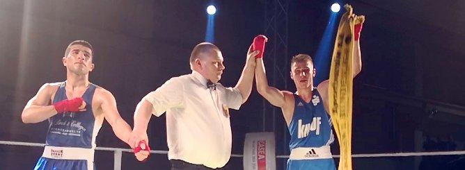 Richard Meinecke gewinnt seinen Kampf klar nach Punkten (Foto: nnz)