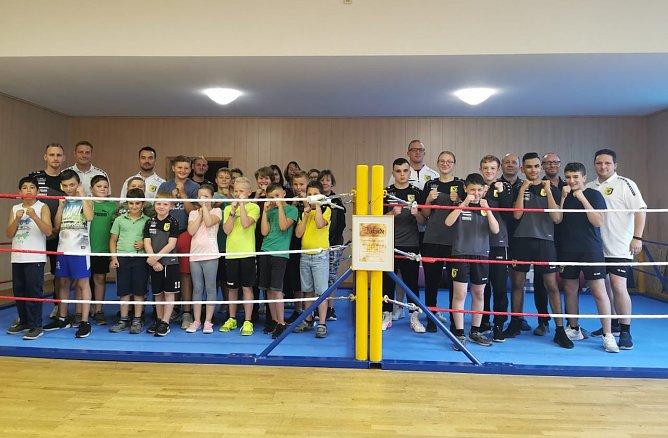 Die jungen Boxer freuen sich (Foto: BSG Altstadt 05)